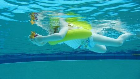 Koło do nauki pływania Swimtrainer 3m-ce - 4 lata czerwone, Freds Swim Academy