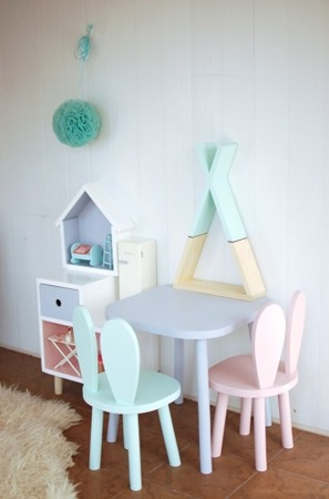 Mega Zestaw 2 krzesełka dziecięce królik + stoliczek