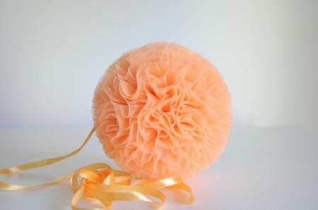 Pompon tiulowy Brzoskwiniowy 30 cm, handmade