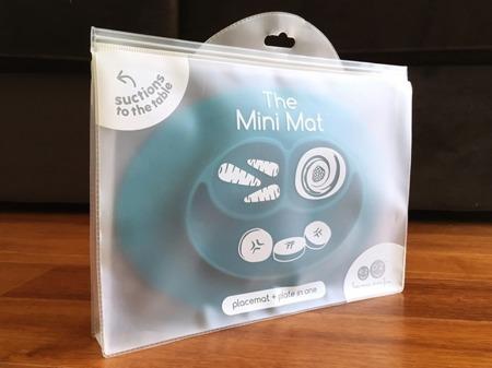 Silikonowy talerzyk z podkładką mały EZPZ 2 w 1 Mini Mat, niebieski mat